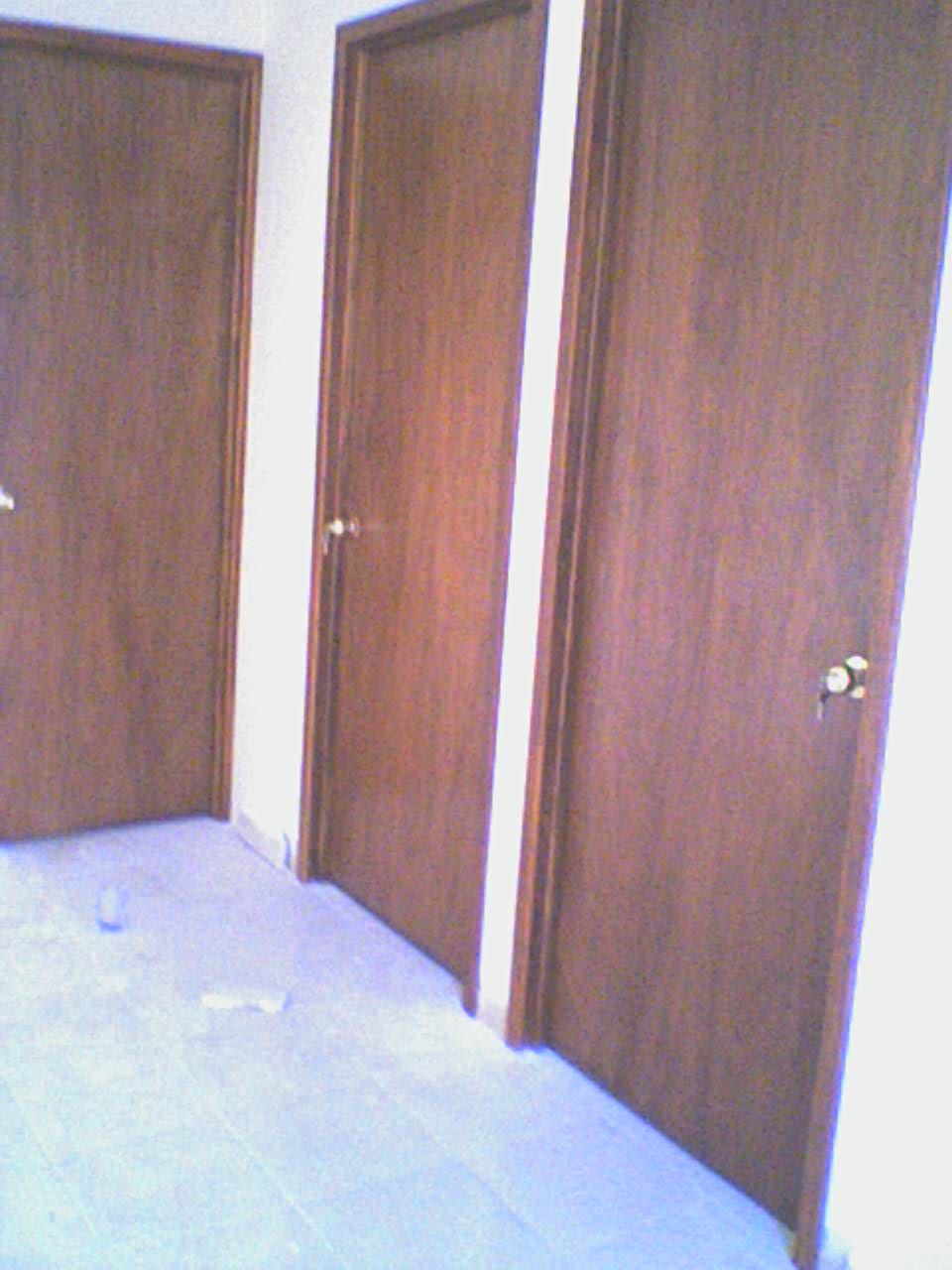 Marco de la puerta interesting e calza el marco con las - Marcos de puertas ...