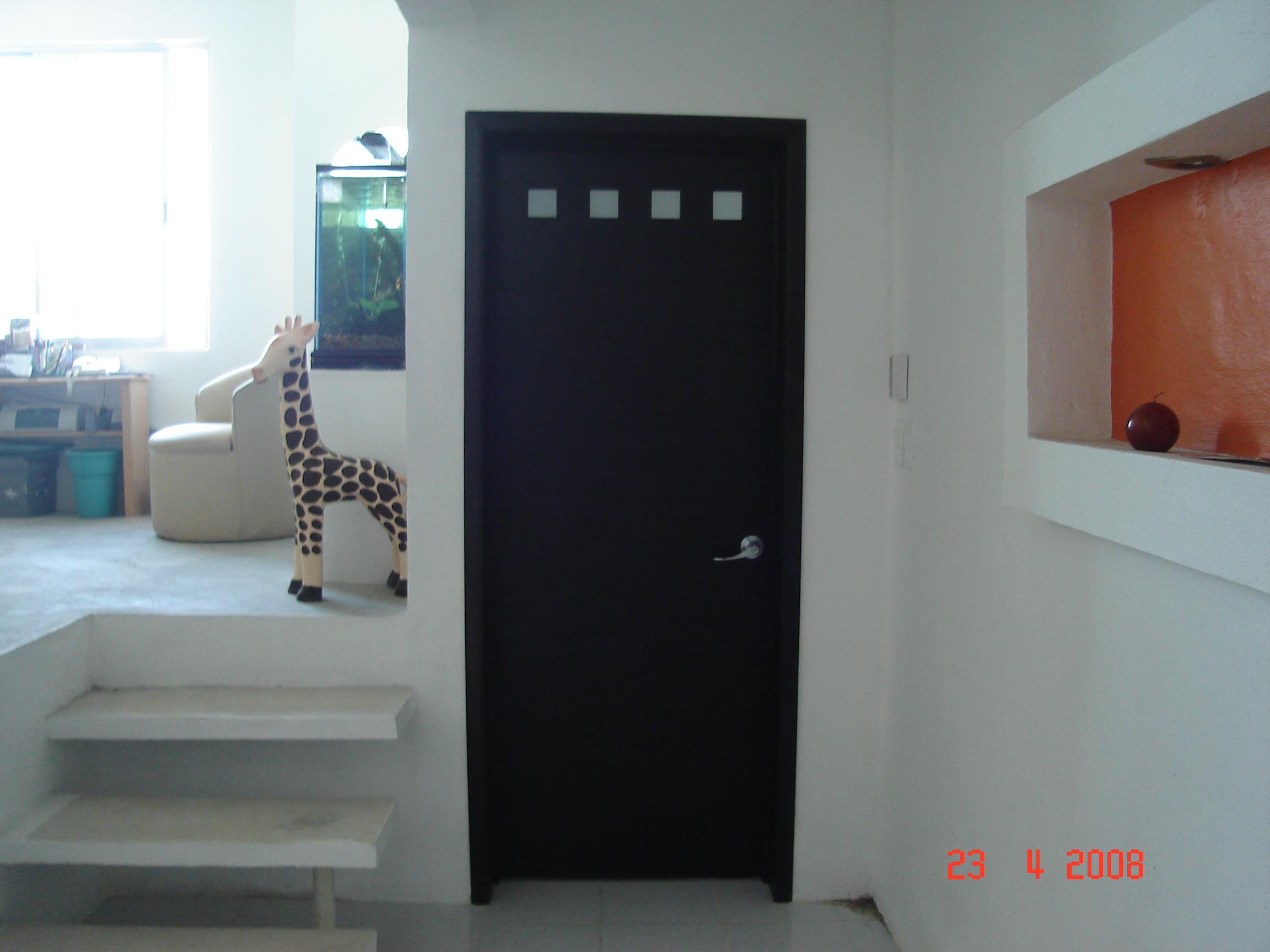 Pin catalogo de puertas madera una las mas buscada como for Puertas de madera minimalistas
